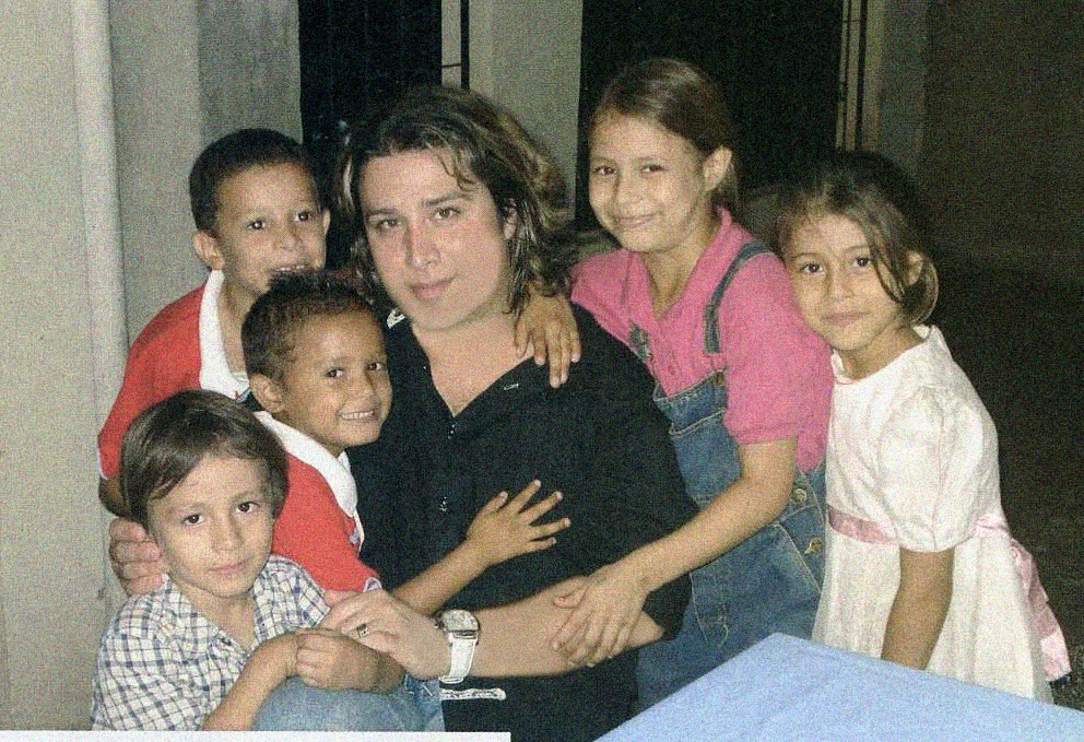 Davi Wornel with the Children of an Orphanage